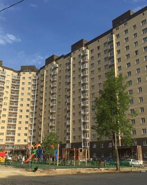 Благоустроенный и уютный внутренний двор, детские и спортивные площадки