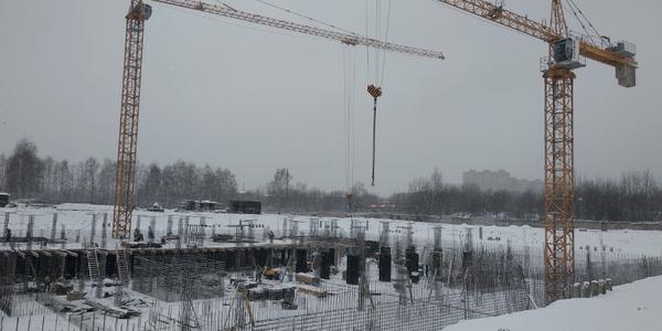 23.11.2020 Корпус №1: Ведутся работы по армированию и бетонированию вертикальных несущих конструкций подземной автостоянки
